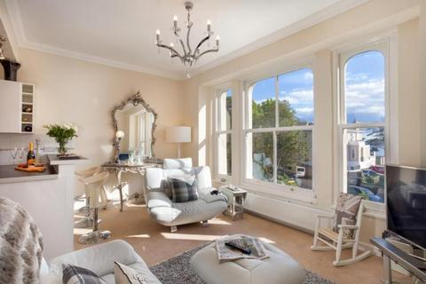 2 bedroom apartment to rent - St Lukes Road South, Torquay TQ2