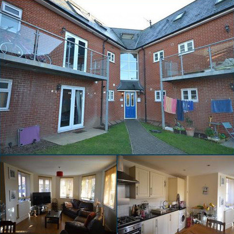 2 bedroom flat to rent - Abbey Court Meyrick Crescent,  Colchester, CO2