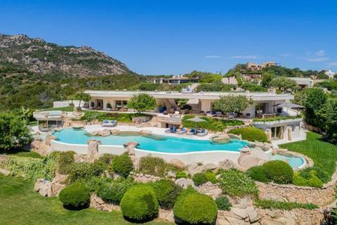 6 bedroom house - Villa Rock, Porto Cervo, Sardinia, Italy