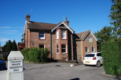 1 bedroom flat to rent - Paddockhall Road, Haywards Heath RH16