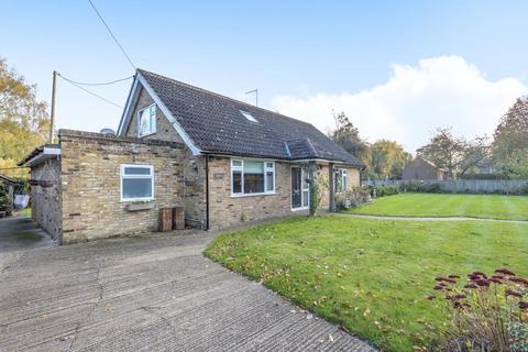 4 bedroom detached bungalow for sale - Chesham, Buckinghamshire, HP5