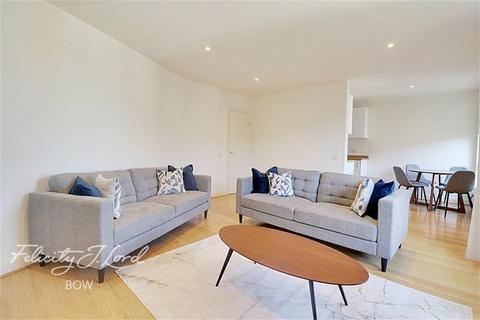 2 bedroom flat to rent - Park Central, Bow Quarter, E3