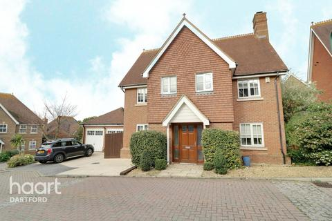 5 bedroom detached house for sale - Pucknells Close, Swanley