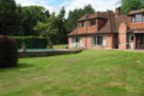 1 bedroom flat to rent - Bath Road, Knowl Hill, Berkshire, RG10 9UT