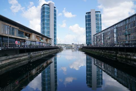 1 bedroom apartment to rent - Chatham Quays, Dock Head Road, Chatham, Kent, ME4