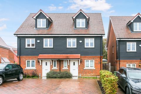 4 bedroom semi-detached house for sale - Dukes Drive, Tunbridge Wells