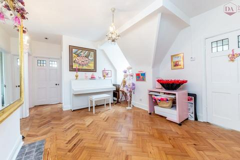 3 bedroom apartment for sale - South Square, Hampstead Garden Suburb NW11