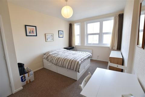 Studio to rent - Lorne Park Mansions, 33 Lorne Park Road, Bournemouth