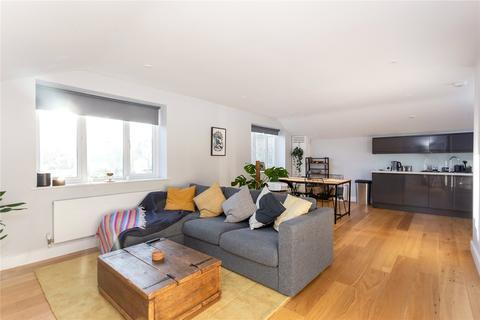 2 bedroom apartment to rent - Wandsworth Road, London, SW8