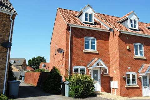 3 bedroom townhouse to rent - Portmarnock Way, Grantham