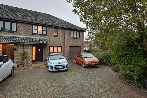 4 bedroom end of terrace house for sale - Copse Close, St. Leonards-On-Sea