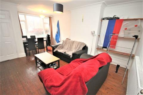 3 bedroom end of terrace house - Hessle Walk , Hyde Park, LEEDS, LS6
