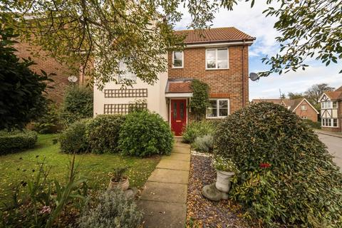 4 bedroom house for sale - Blackberry Way, WHITSTABLE