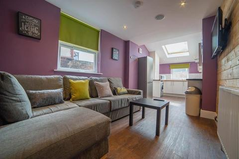 5 bedroom terraced house to rent - Telephone Road, Southsea