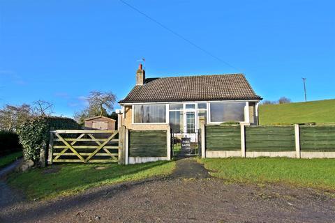 2 bedroom detached bungalow to rent - Marton, Sinnington, YO62 6RD