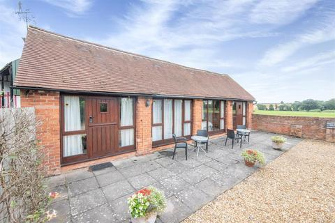 1 bedroom barn conversion to rent - Haye Lane, Mappleborough Green, Studley