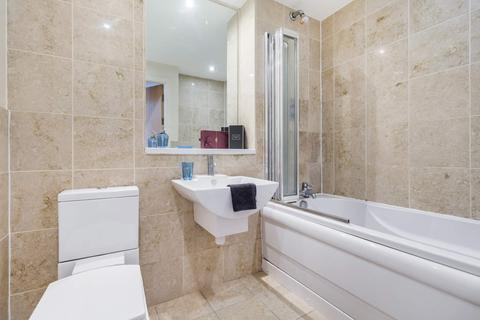 2 bedroom flat to rent - Flat 20 Parklane Central Bennett Road, Headingley