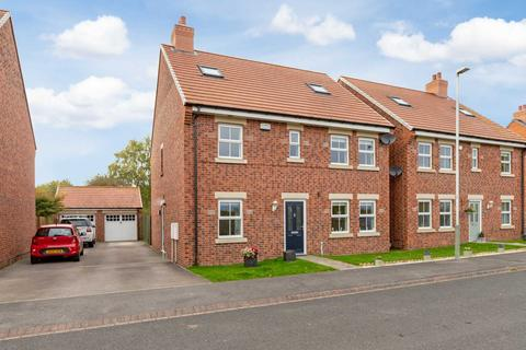 5 bedroom detached house for sale - Merrybent Drive, Merrybent