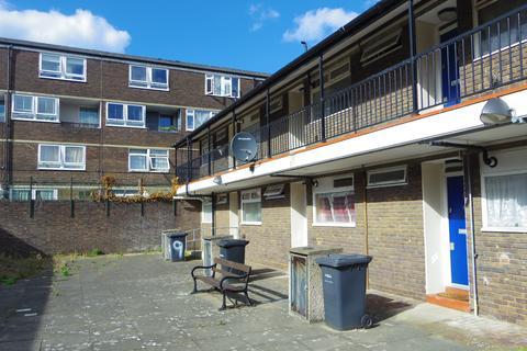 Studio to rent - Penshurst Road, E9