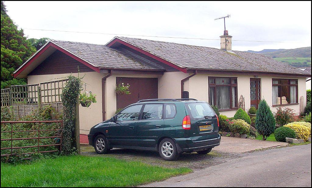 3 Bedrooms Detached Bungalow for sale in Ynys, Talsarnau LL47