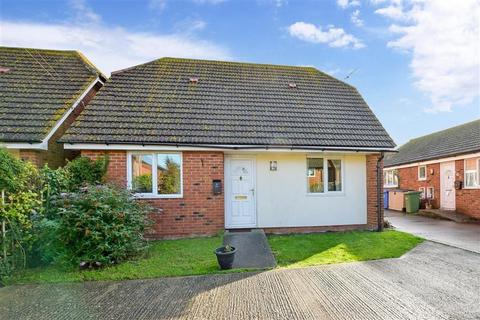 3 bedroom bungalow for sale - Church Road, Eastchurch, Sheerness, Kent