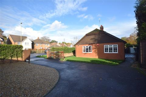 2 bedroom detached bungalow for sale - Winchester Road, Four Marks, Alton, Hampshire
