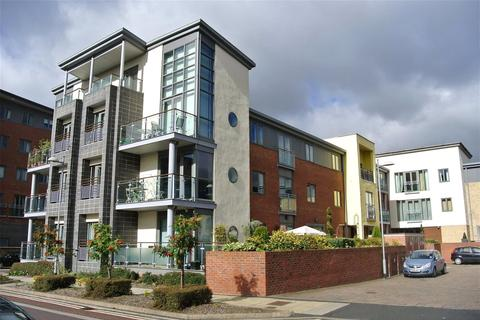 2 bedroom apartment for sale - Fairway Court, Fletcher Road, Gateshead, NE8