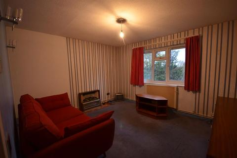1 bedroom flat for sale - 1 BEDROOM FLAT IN NEED OF MODERNISING CLOSE TO PRESTON RD STATION