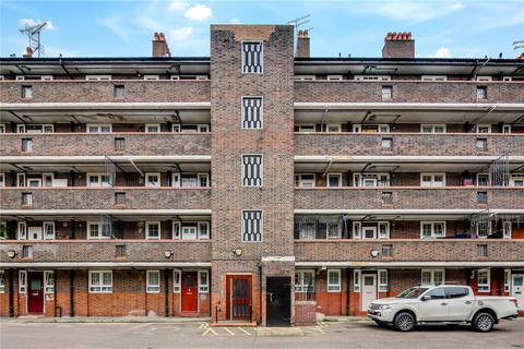 2 bedroom flat for sale - Newcourt House, Pott Street, London, E2