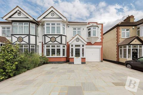 5 bedroom house to rent - Corbets Tey Road, Upminster, RM14