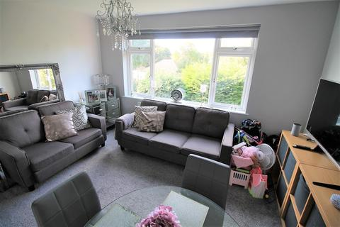 2 bedroom maisonette to rent - Grey Towers Avenue, Hornchurch, Essex, RM11