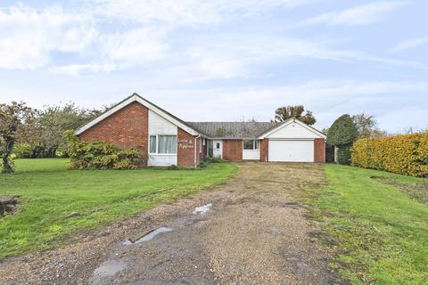 4 bedroom detached bungalow for sale - Windsor, Berkshire, SL4