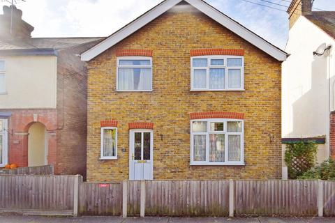 2 bedroom detached house for sale - Clare Road, Whitstable