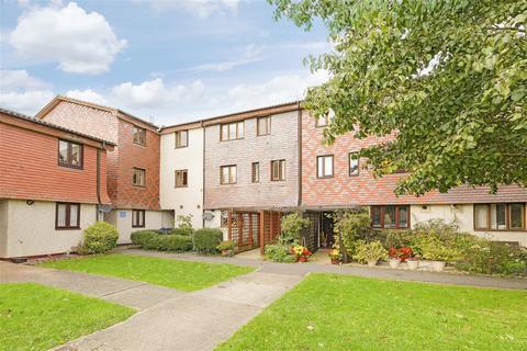 2 bedroom apartment for sale - Coniston Close, West Wimbledon, West Wimbledon