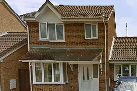 4 bedroom semi-detached house to rent - Cousins Close, West Drayton