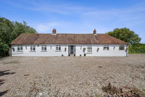 5 bedroom detached bungalow for sale - St Mary's Road, New Church