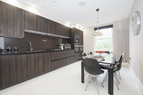 4 bedroom flat to rent - Fitzjohns Avenue, Hampstead, NW3