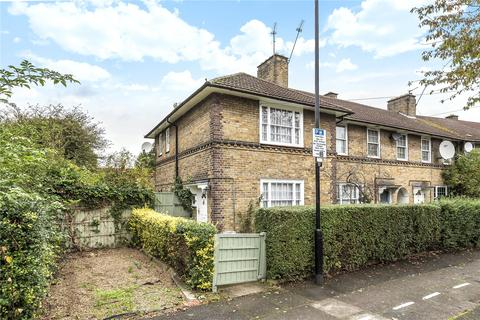 2 bedroom end of terrace house for sale - Gedeney Road, London, N17