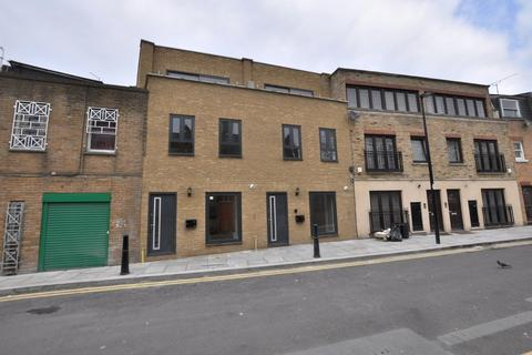3 bedroom terraced house to rent - Granby Street, London E2