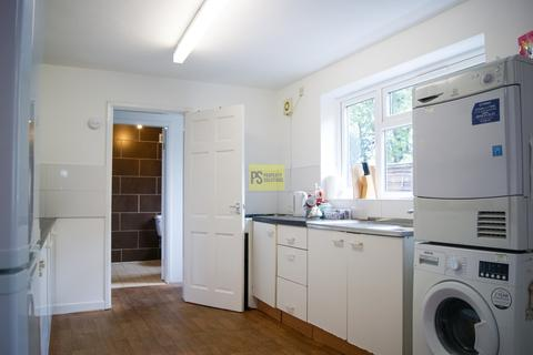 6 bedroom semi-detached house to rent - Oak Tree Lane, Selly Oak - student property