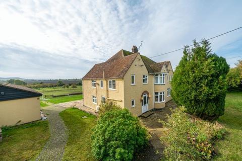 6 bedroom detached house to rent - Castle Hill Road, Totternhoe