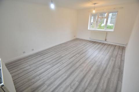 2 bedroom maisonette to rent - Copenhagen Close, Luton