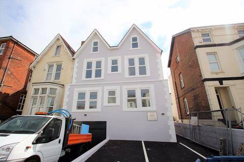 2 bedroom apartment to rent - Granada Road, Southsea