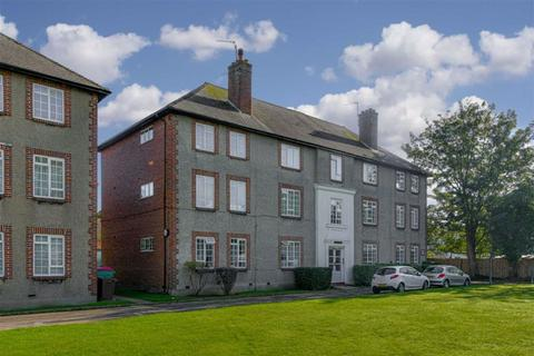 2 bedroom flat for sale - Cheam Mansions, Cheam, Surrey