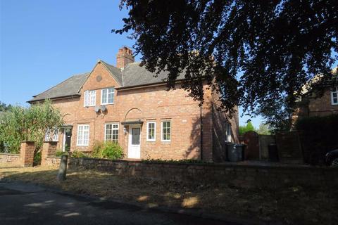3 bedroom semi-detached house to rent - Highfield Estate, WILMSLOW