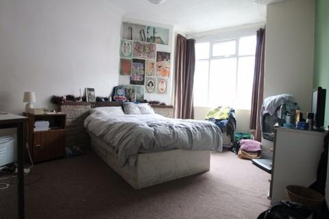 5 bedroom terraced house to rent - Richmond Mount, Hyde Park, Leeds, LS6 1DF