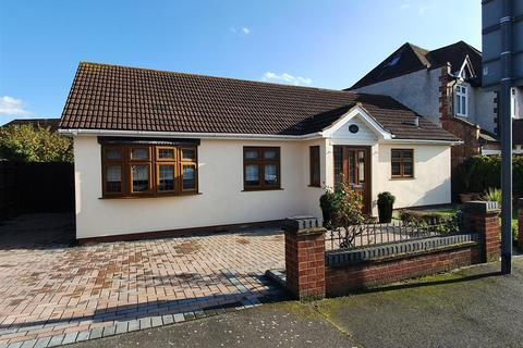 2 bedroom detached bungalow for sale - Danson Road, Bexley