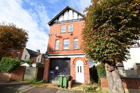 1 bedroom flat for sale - Coombe Road, Cheriton, Folkestone
