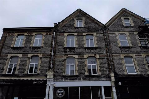 Studio to rent - High Street, Barry, Vale Of Glamorgan