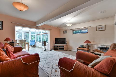 2 bedroom semi-detached house for sale - Devon Road, Merstham, Redhill
